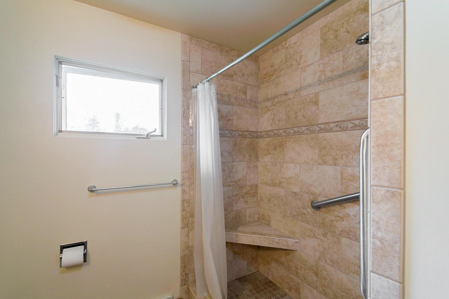 Property Image #5 for MLS #21916223