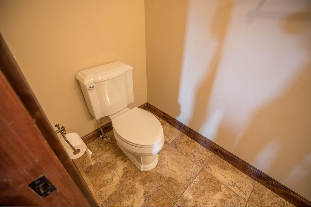 Property Image #2 for MLS #21913044