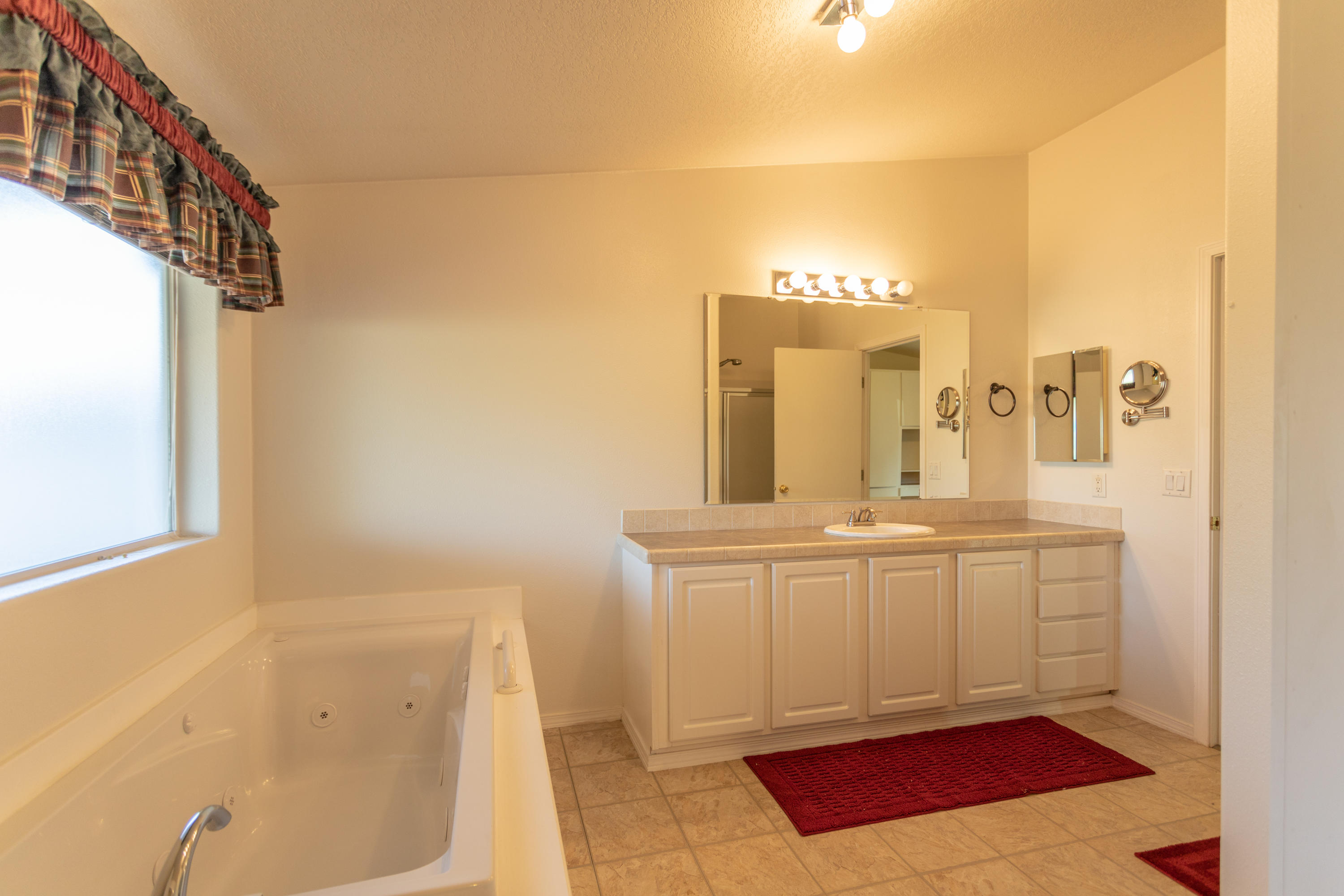 Property Image #4 for MLS #21916710