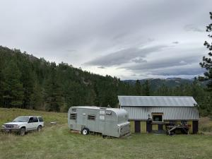 Cabin/Meadow