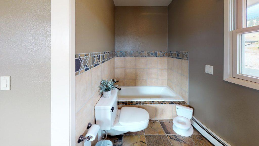 Property Image #2 for MLS #21917285