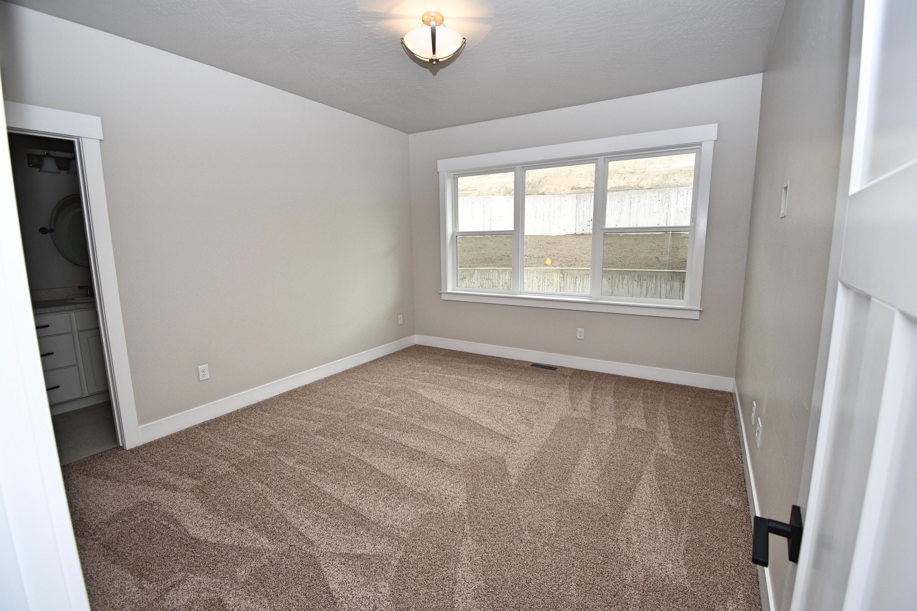 Property Image #4 for MLS #21915683