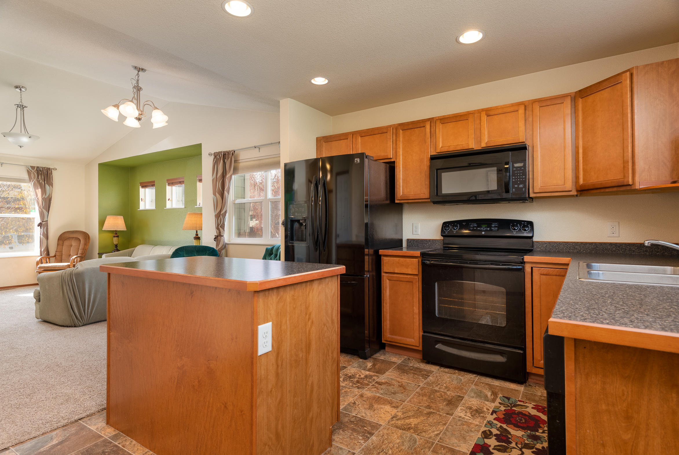 Property Image #2 for MLS #21917558