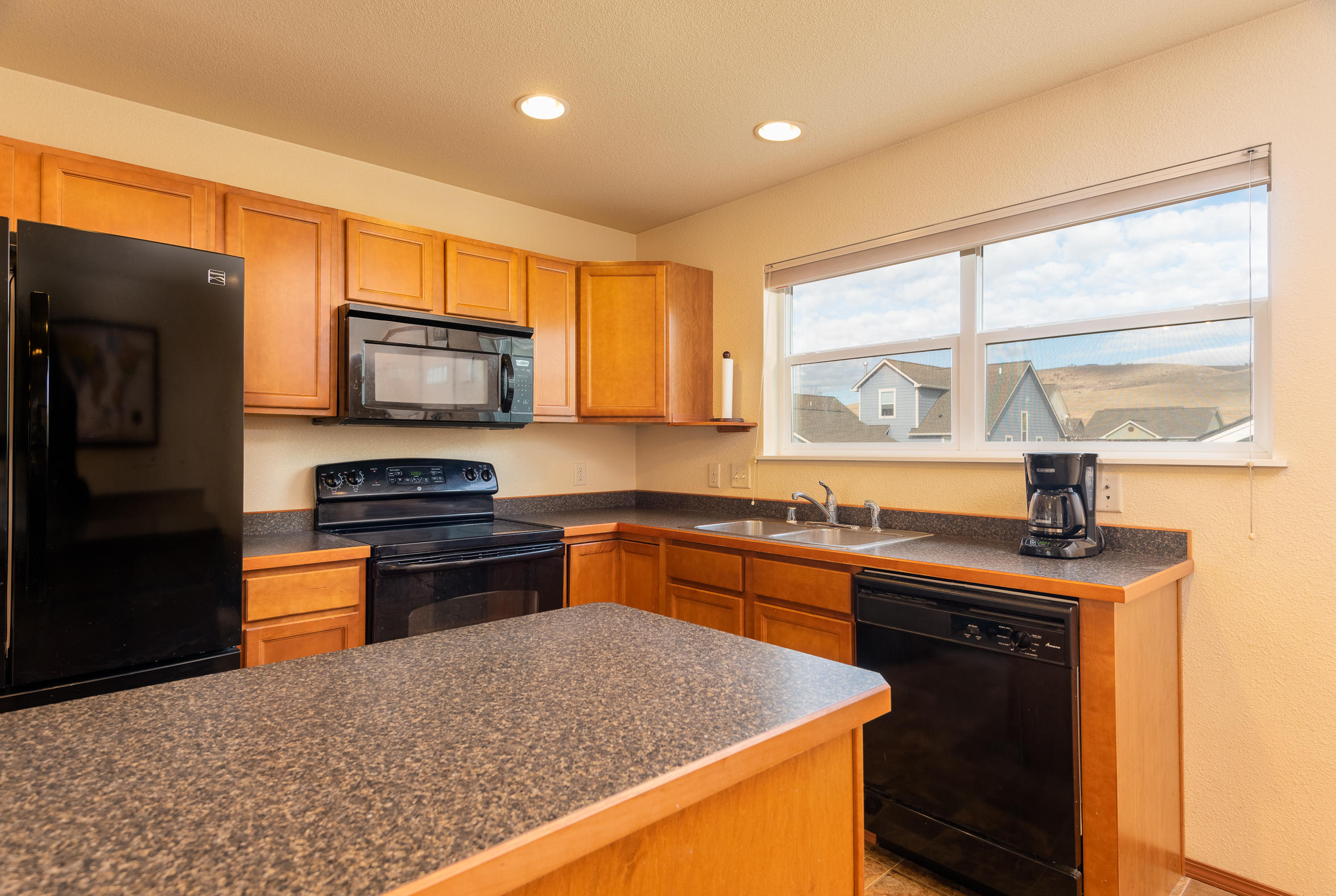 Property Image #3 for MLS #21917558
