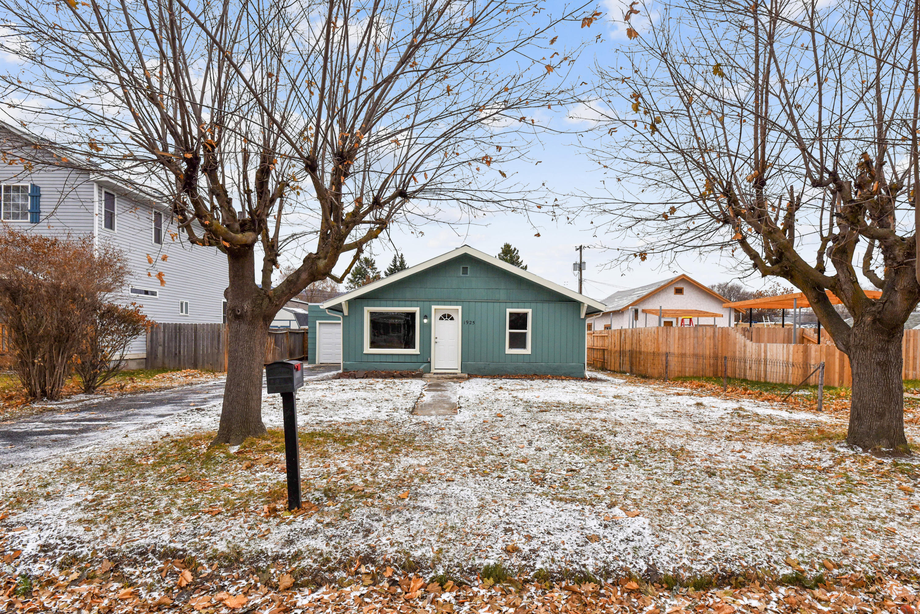 Property Image #1 for MLS #21918260