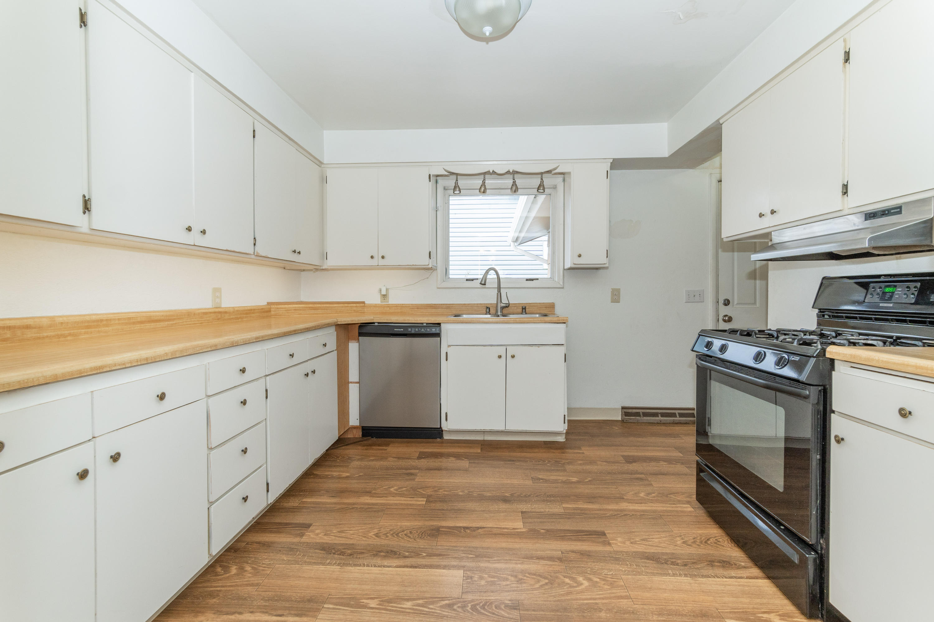 Property Image #5 for MLS #21918273