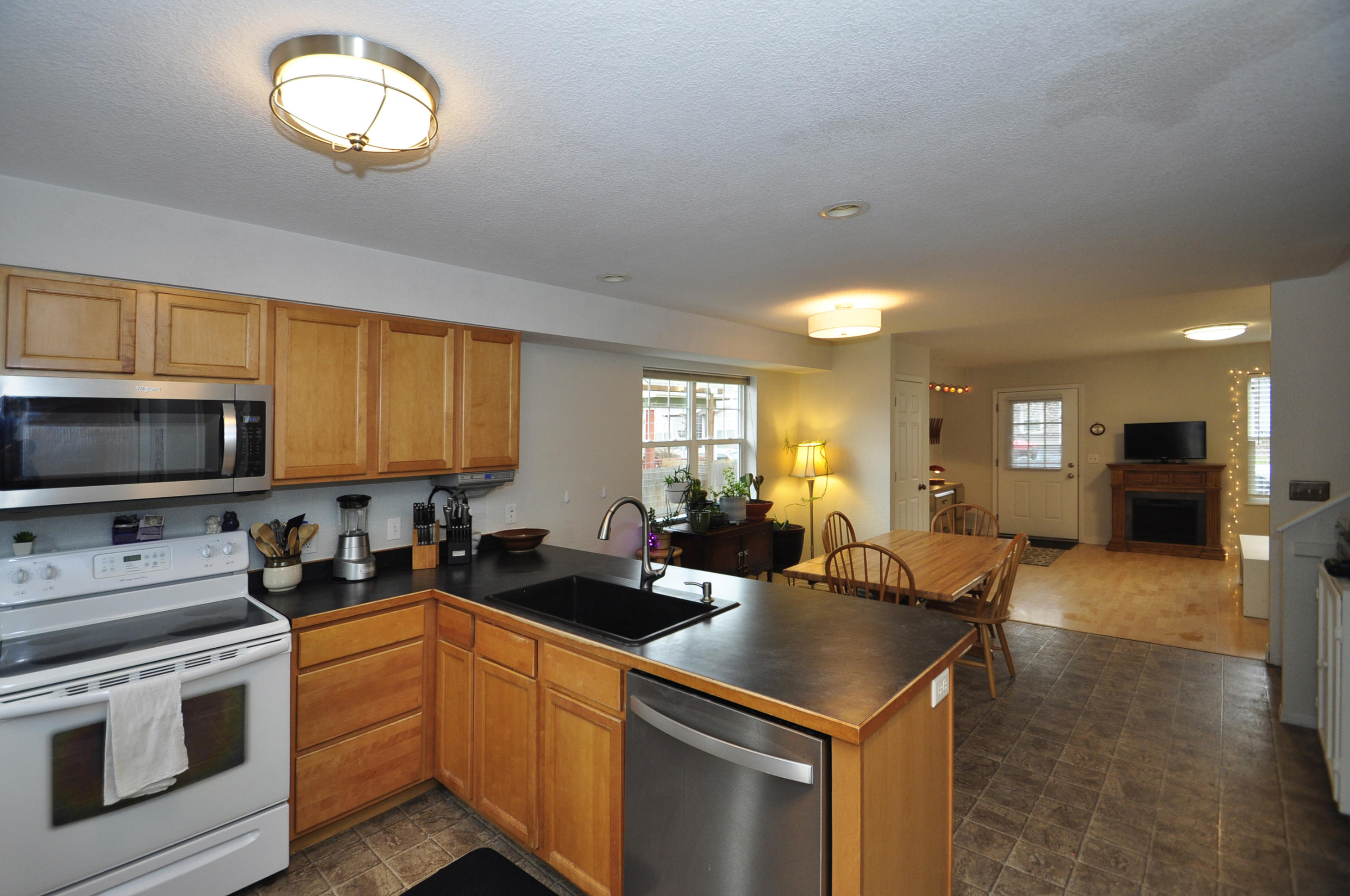 Property Image #2 for MLS #21918291