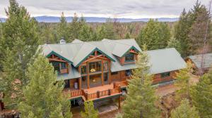 Beautiful and classic Montana home.