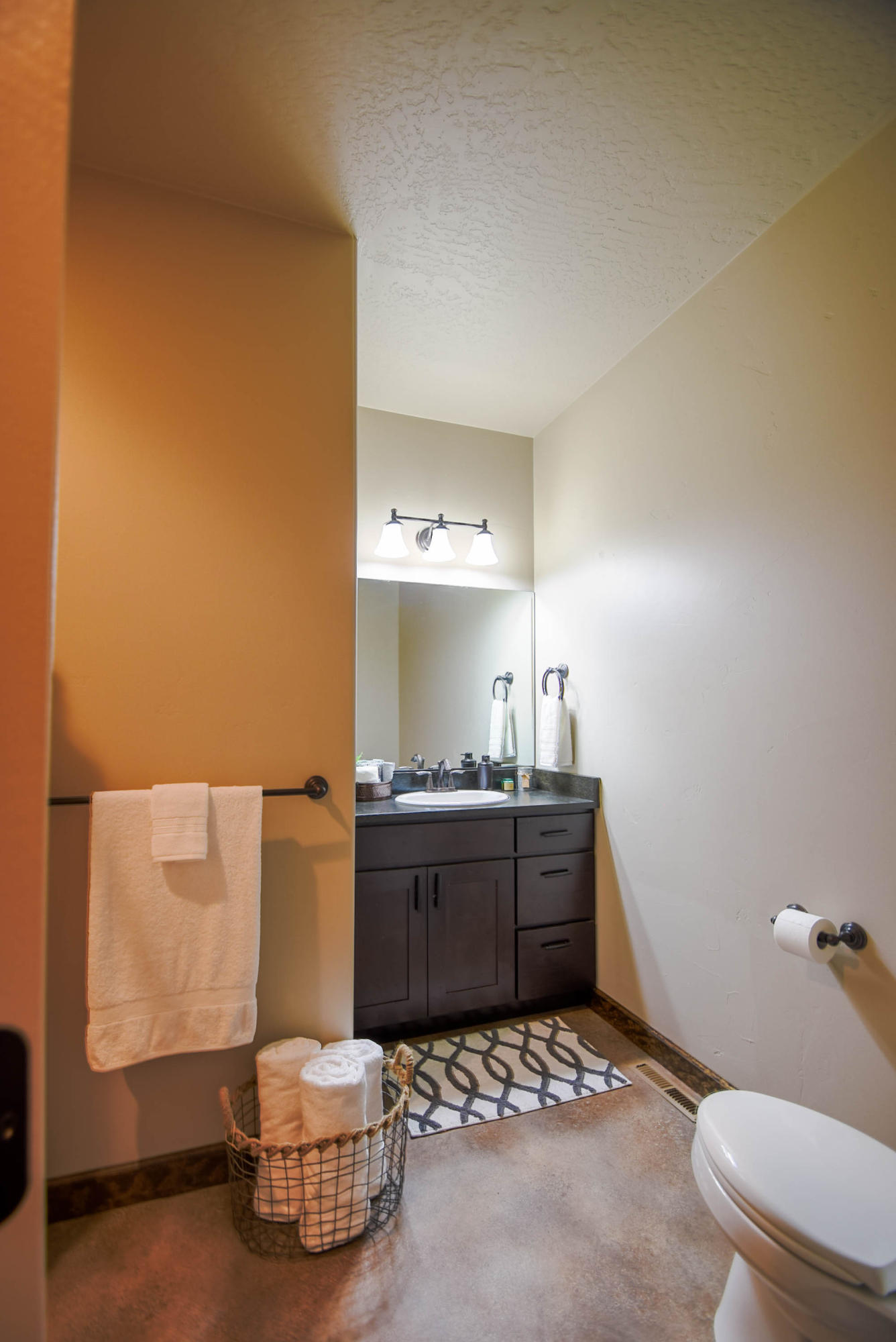 Property Image #11 for MLS #22000330