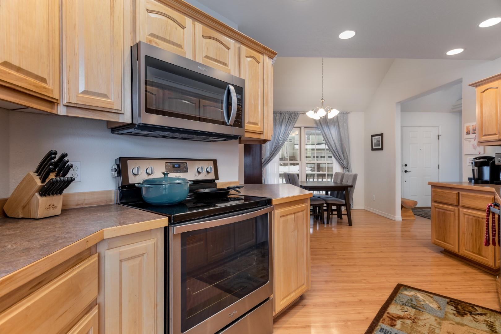 Property Image #2 for MLS #22001708