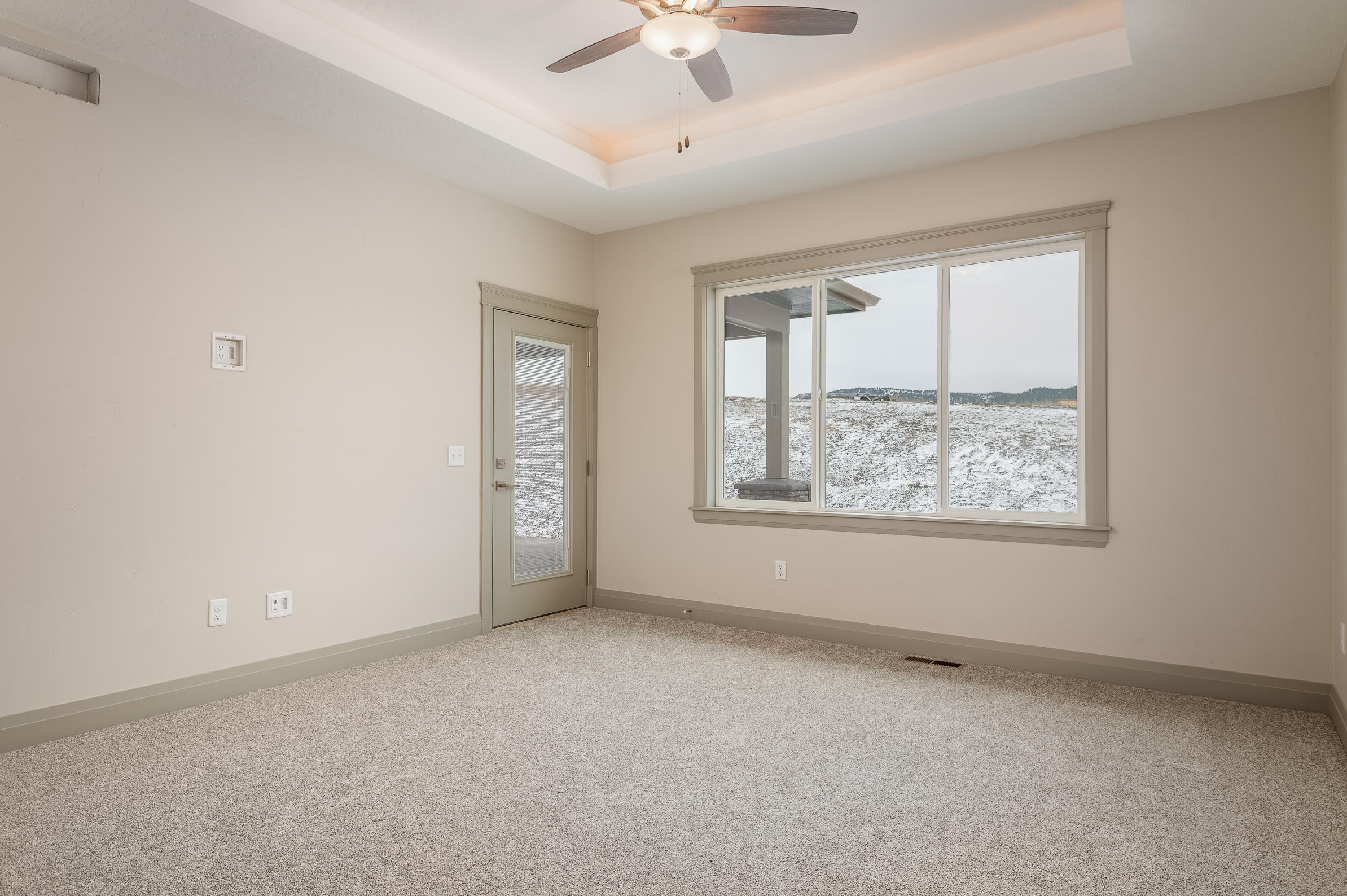 Property Image #3 for MLS #22001179
