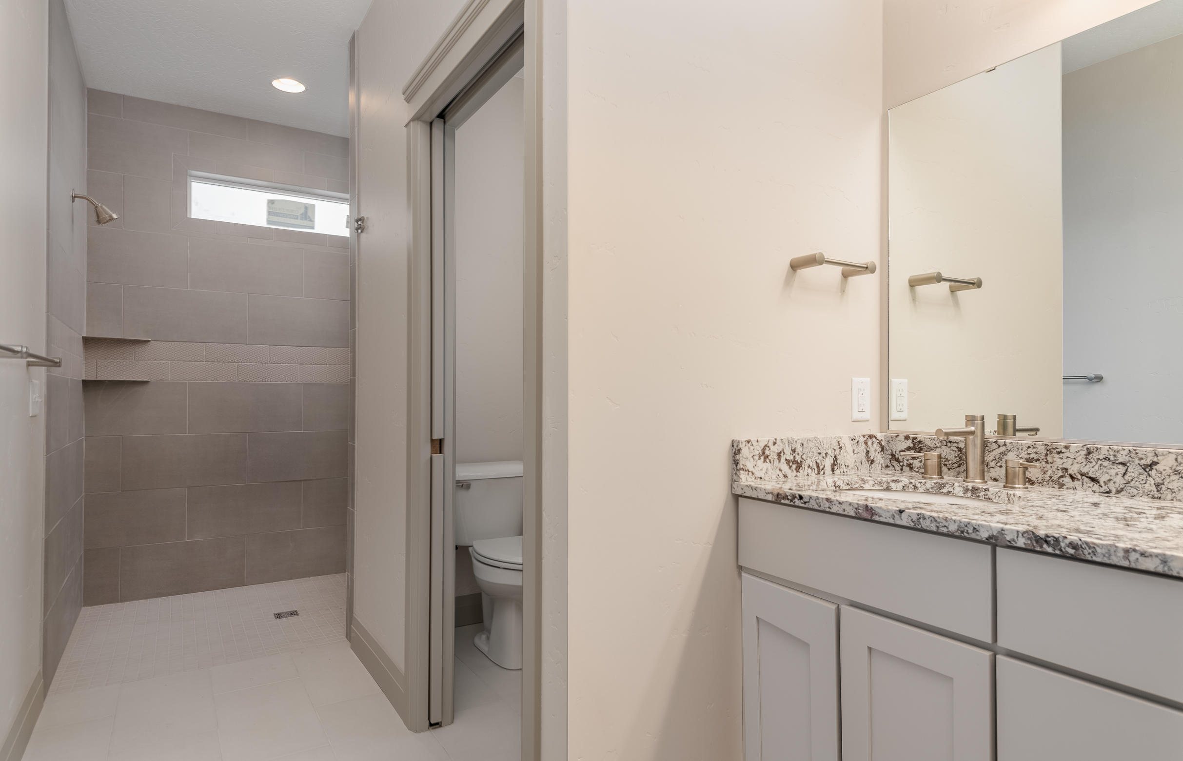 Property Image #10 for MLS #22001179