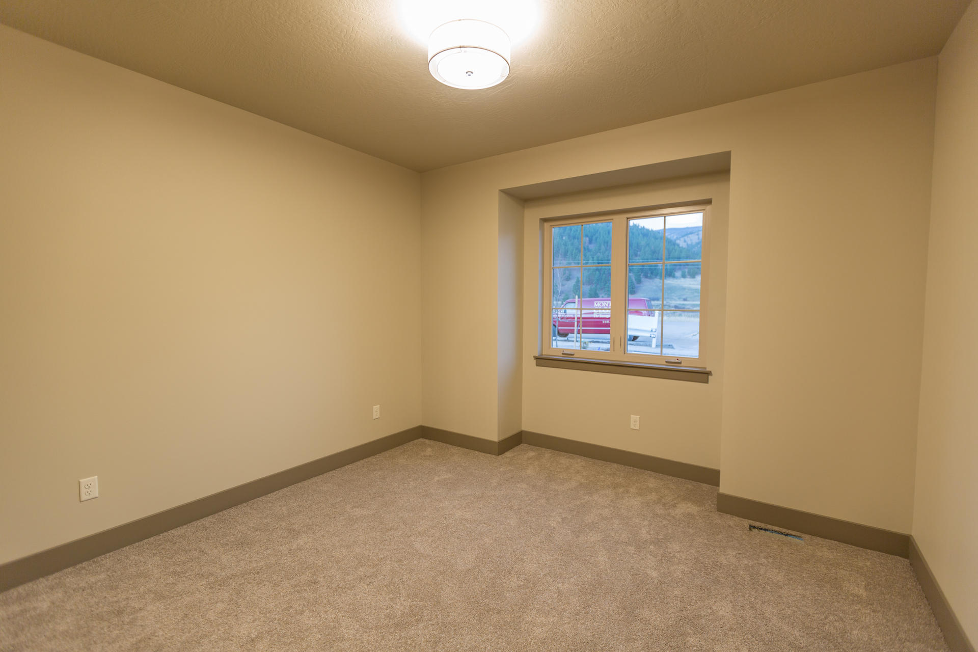 Property Image #5 for MLS #22002133