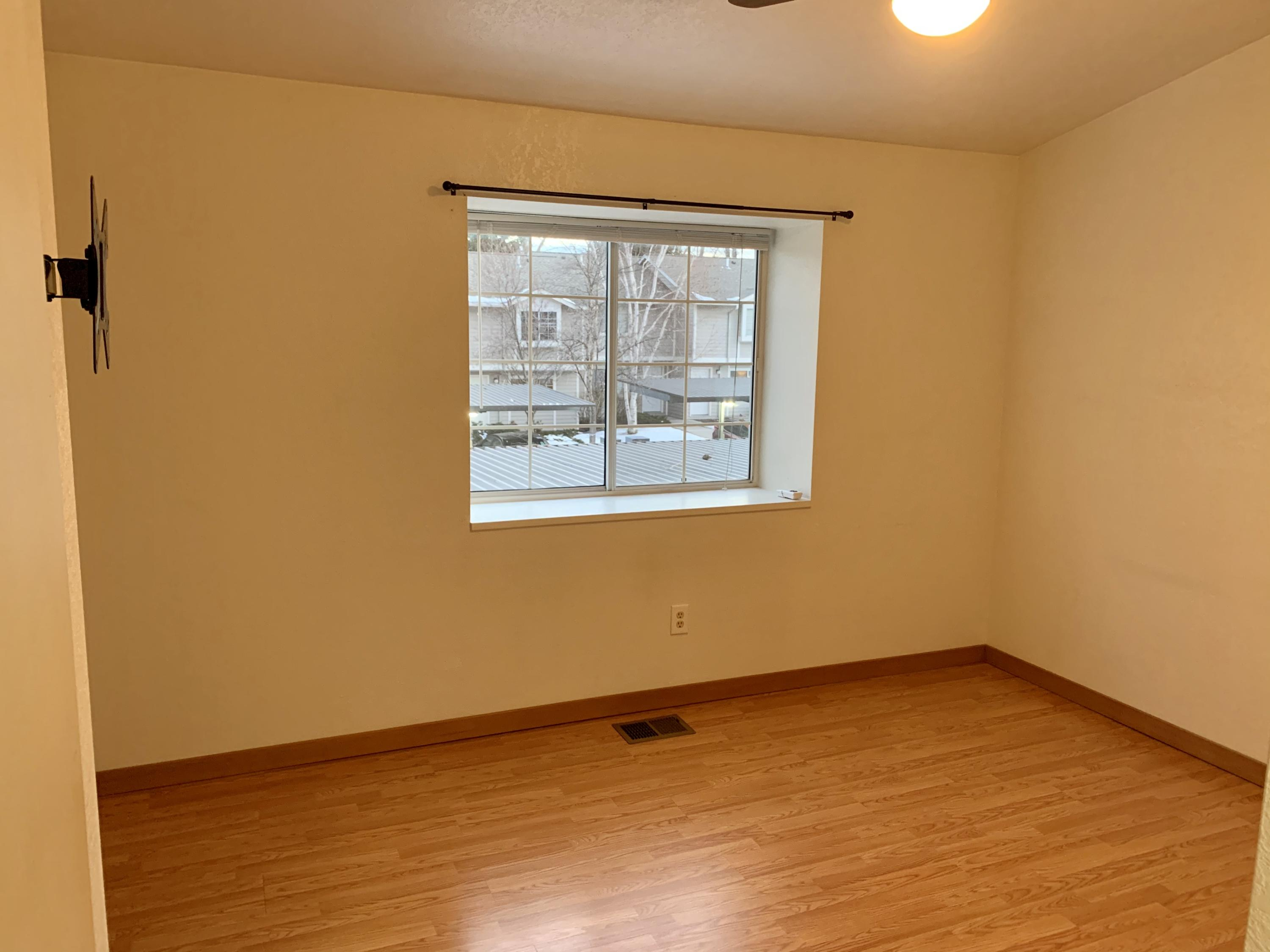 Property Image #11 for MLS #22002577