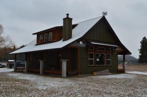 7383 Farm To Market Road, Whitefish, MT 59937