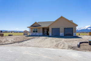119 Farm Land Lane, Corvallis, MT 59828