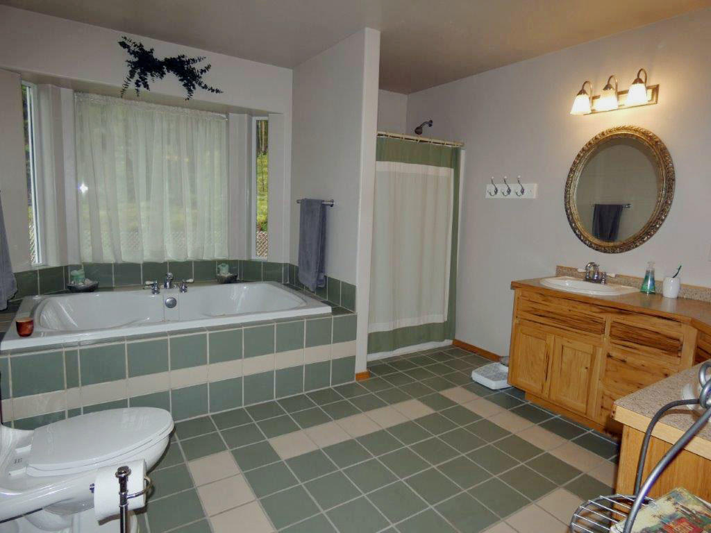 Property Image #2 for MLS #22006877