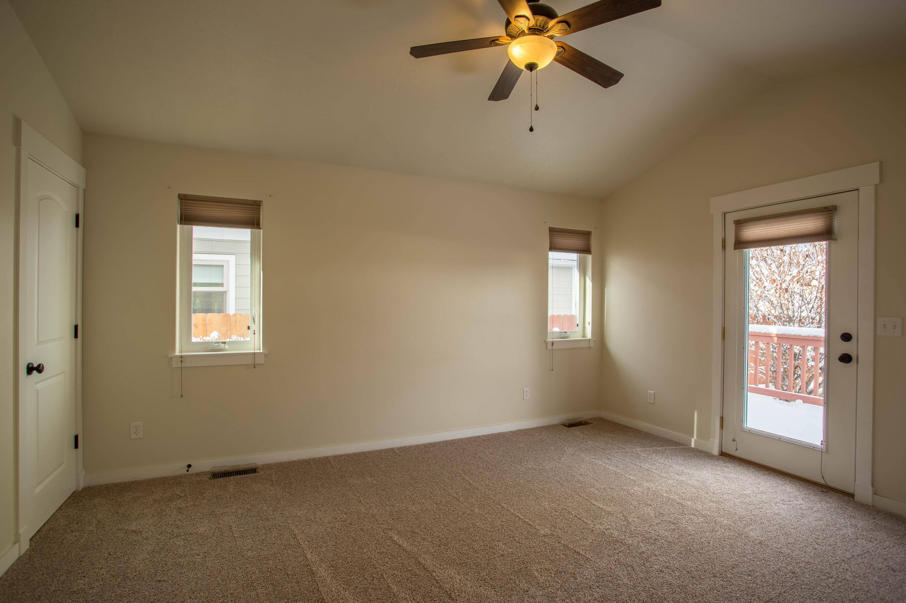 Property Image #2 for MLS #22007249