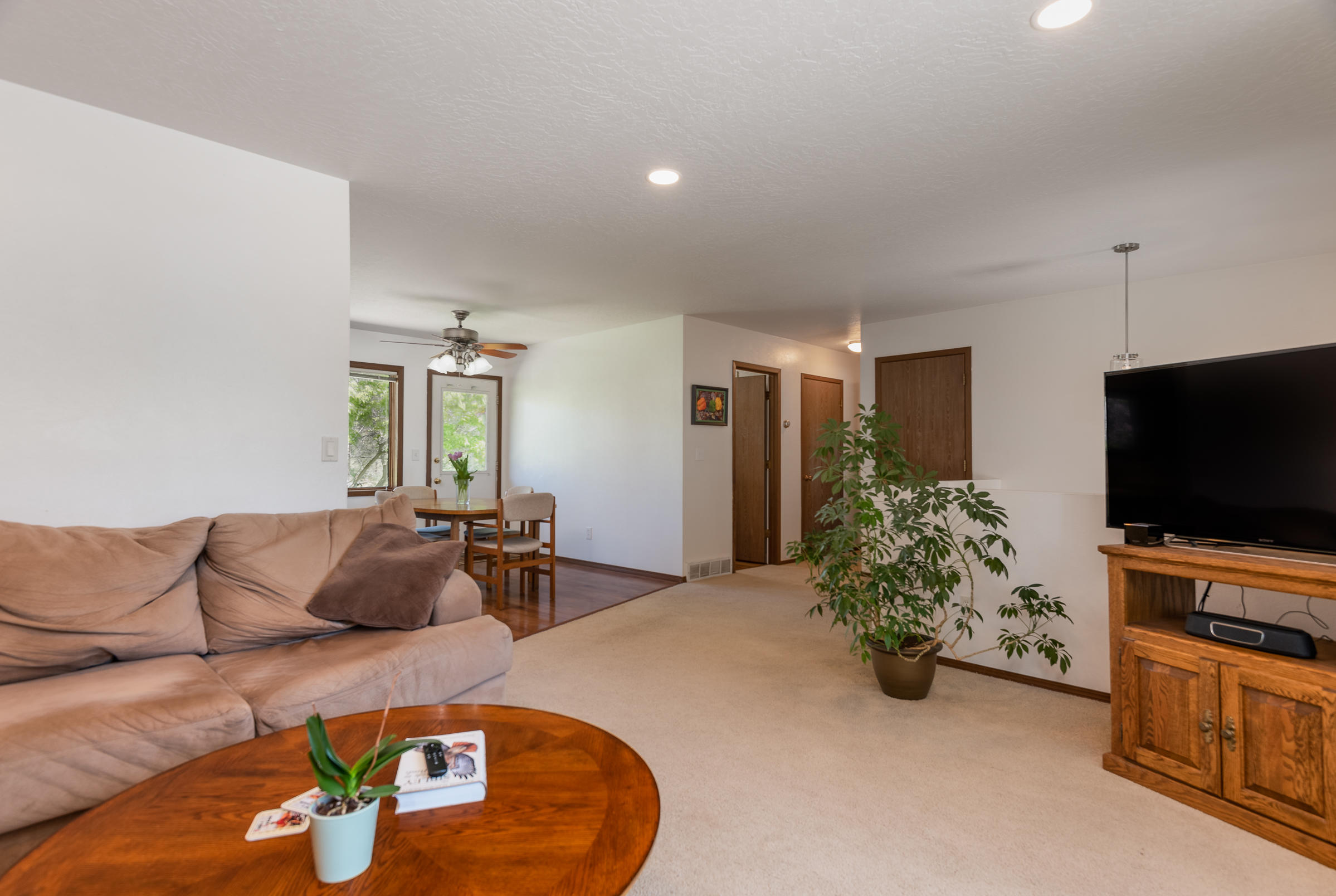 Property Image #2 for MLS #22007352