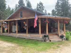 454 Lost Horse Road, Hamilton, MT 59840