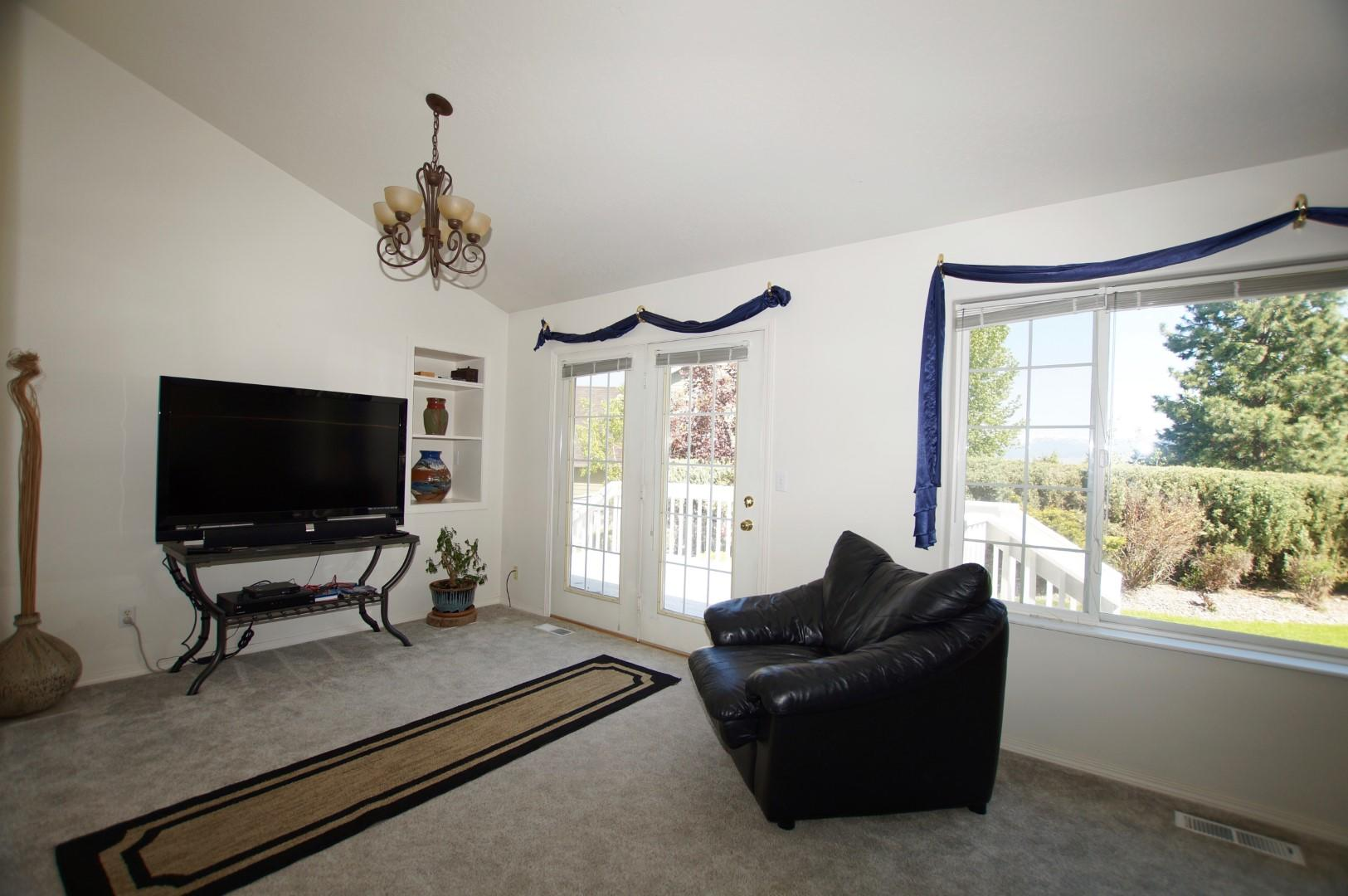 Property Image #2 for MLS #22008298