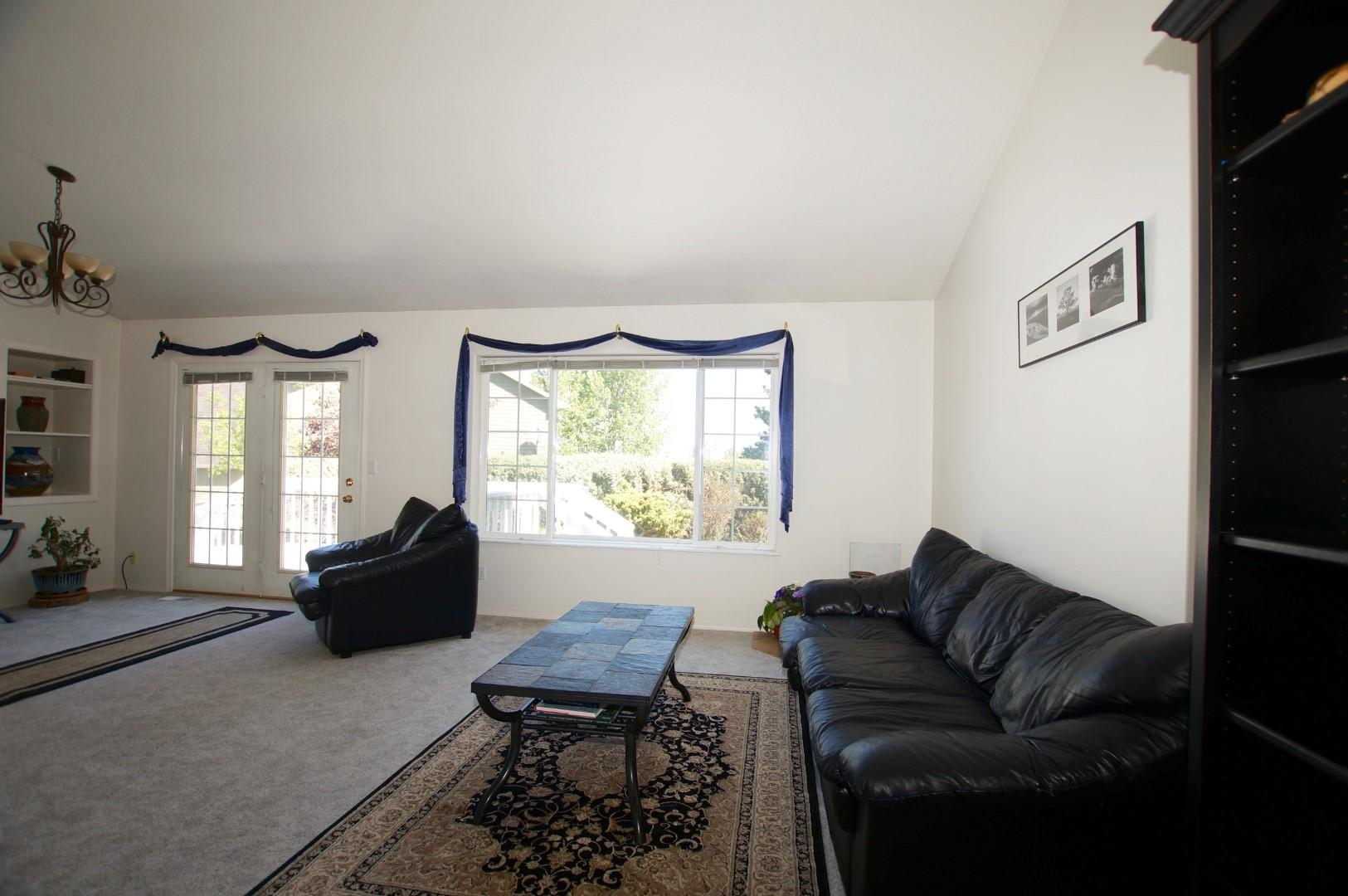 Property Image #3 for MLS #22008298