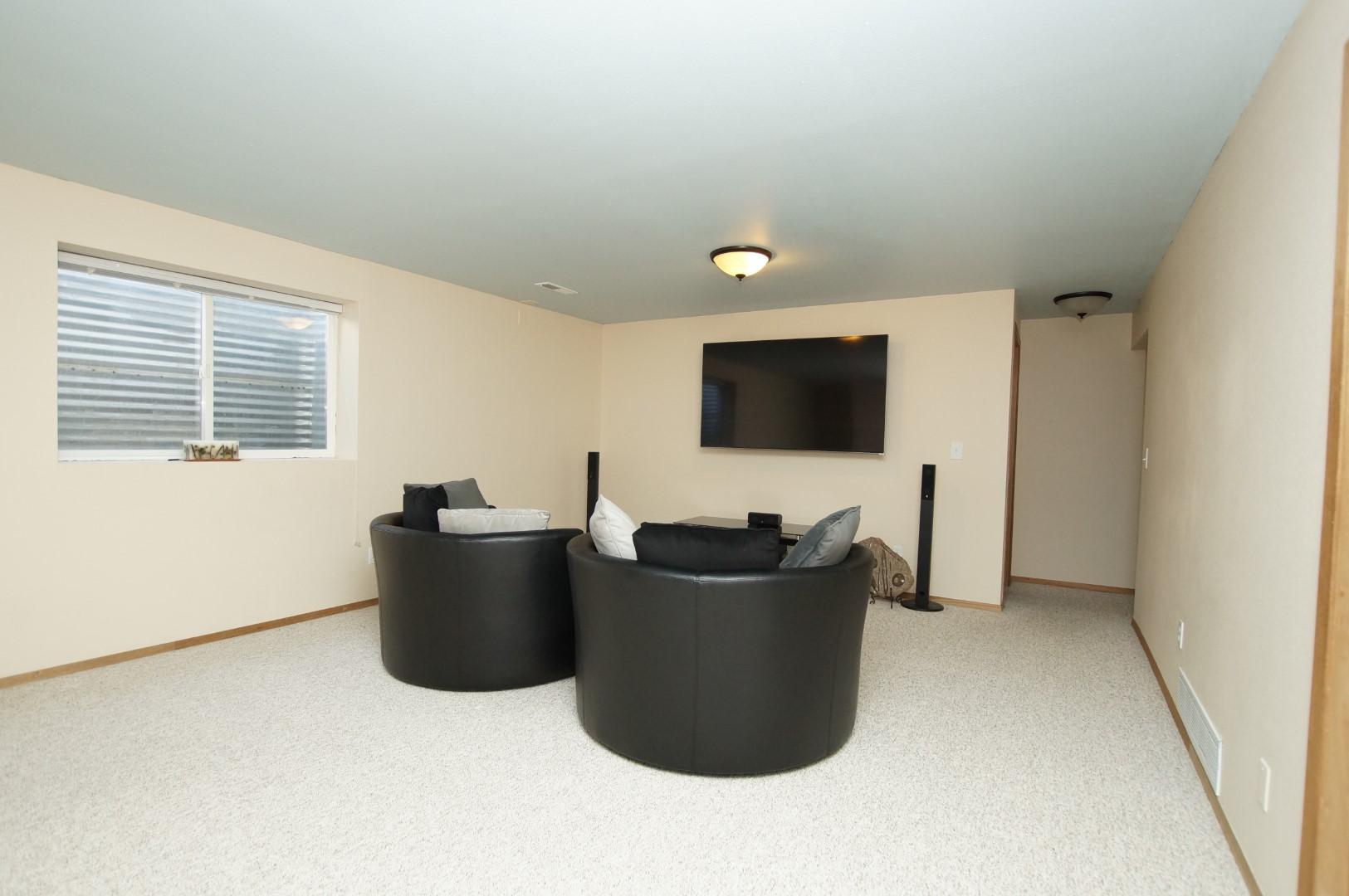 Property Image #9 for MLS #22008298