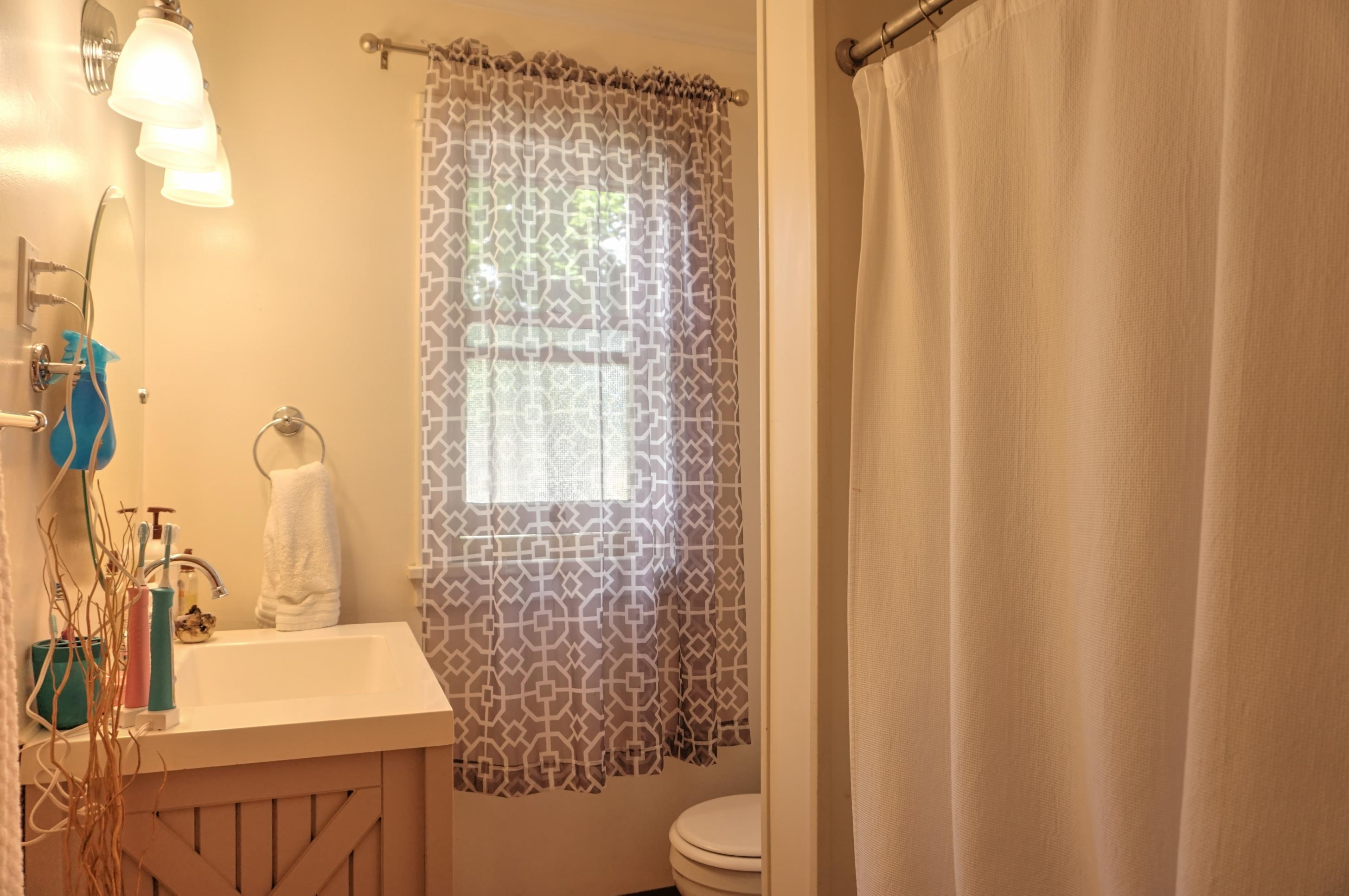 Property Image #2 for MLS #22008540