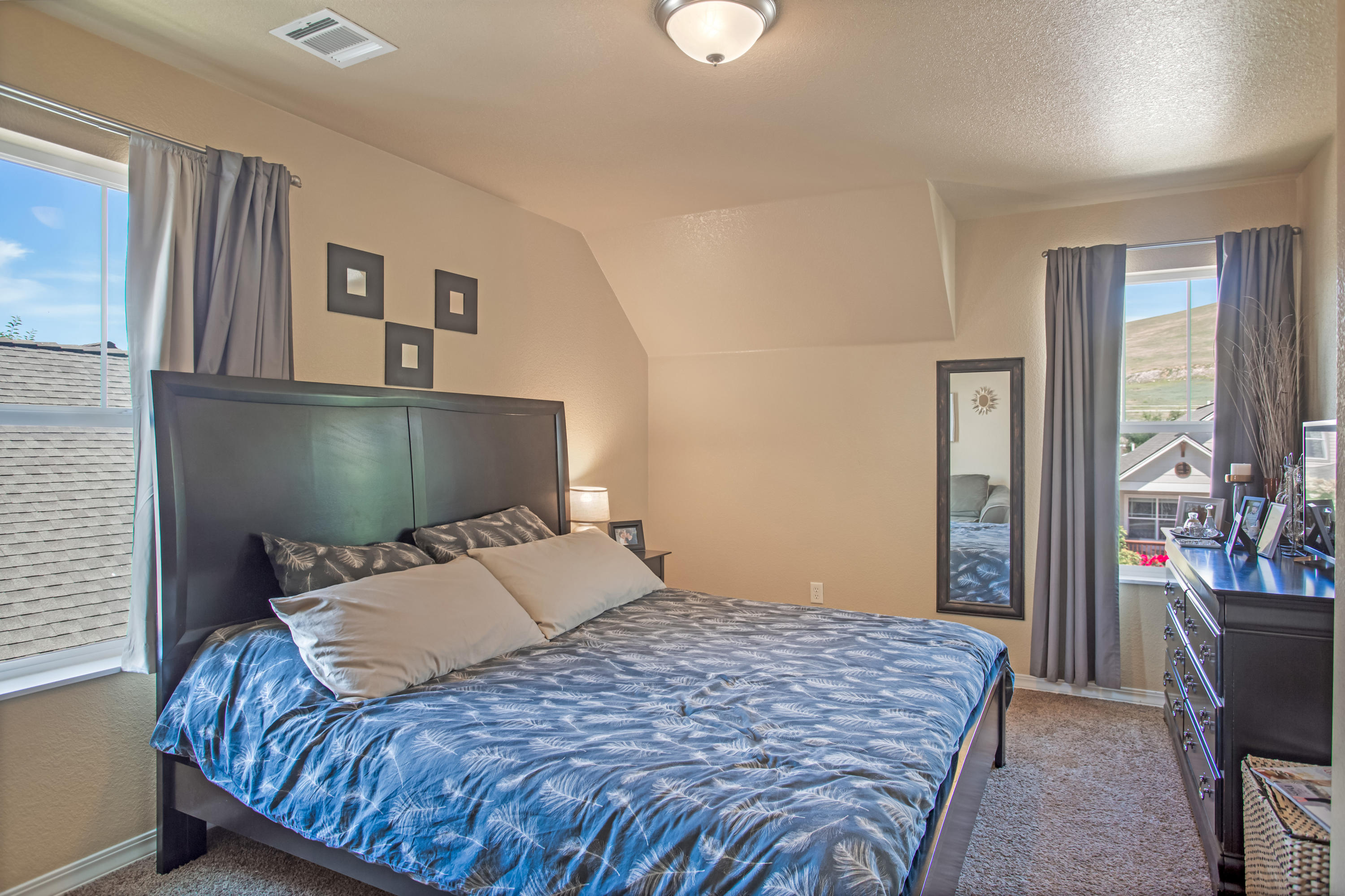 Property Image #2 for MLS #22010004