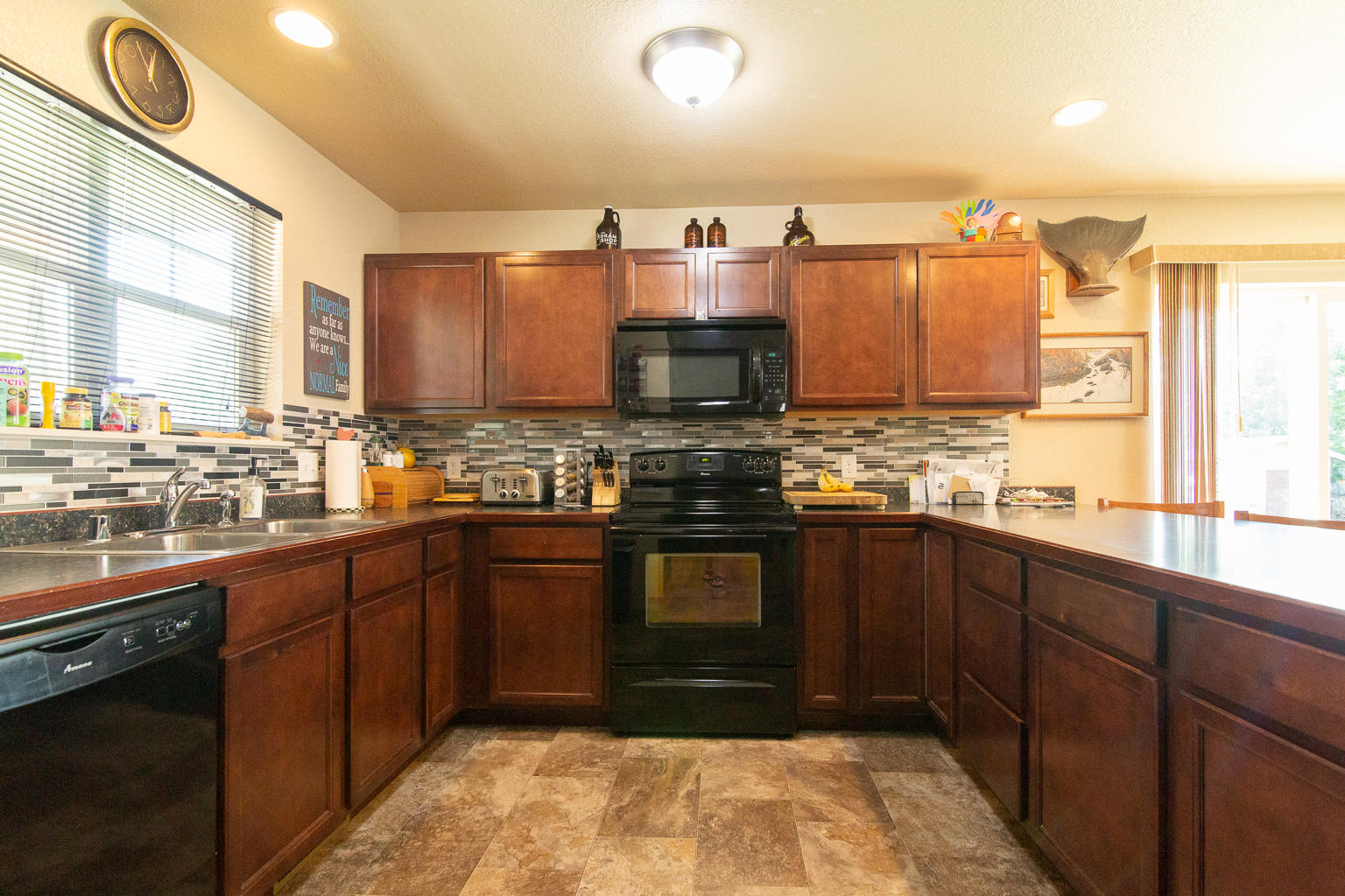 Property Image #2 for MLS #22011149