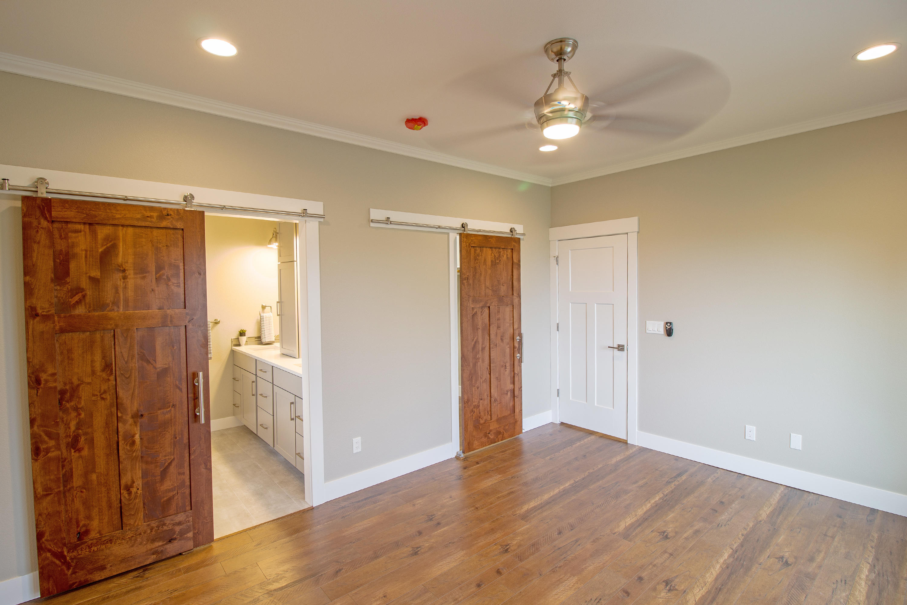 Property Image #2 for MLS #22011136