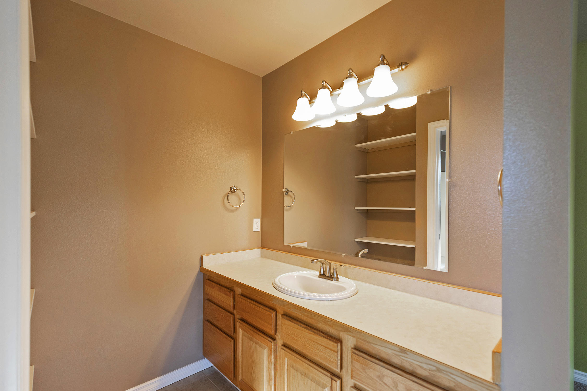 Property Image #10 for MLS #22011593