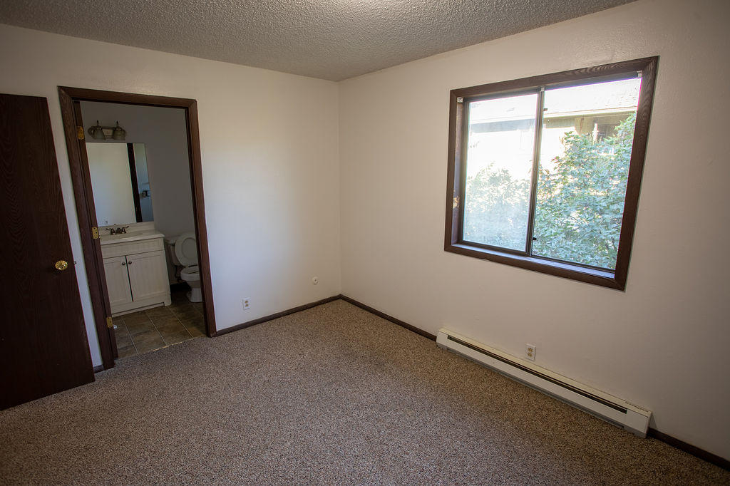 Property Image #2 for MLS #22011786