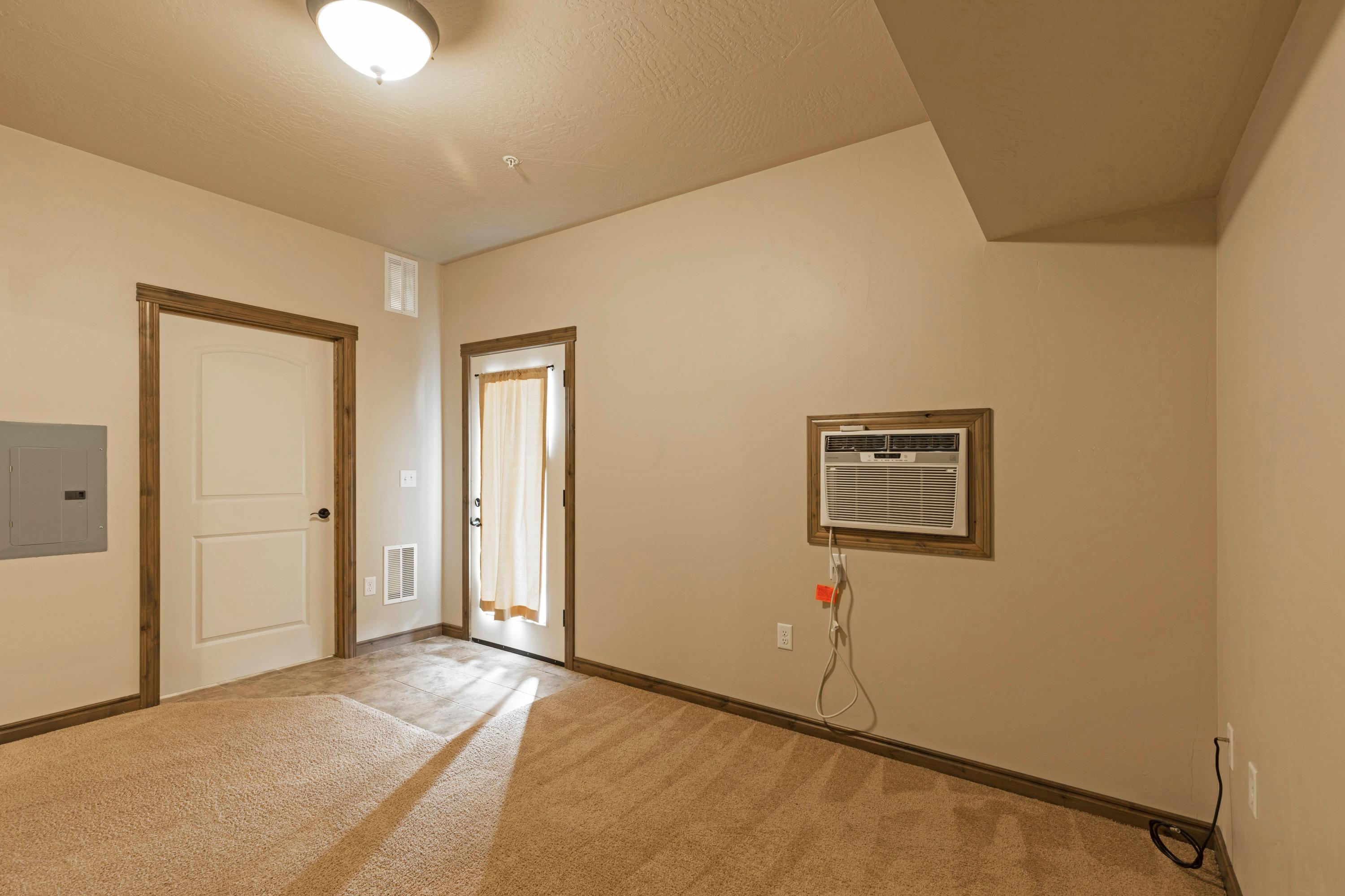 Property Image #3 for MLS #22012953
