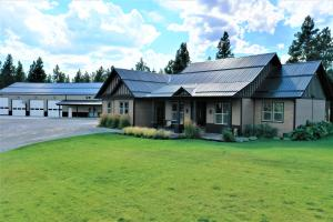 535 Roe Road, Eureka, MT 59917