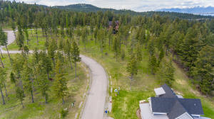 275 Spurwing Loop, Lakeside, MT 59922