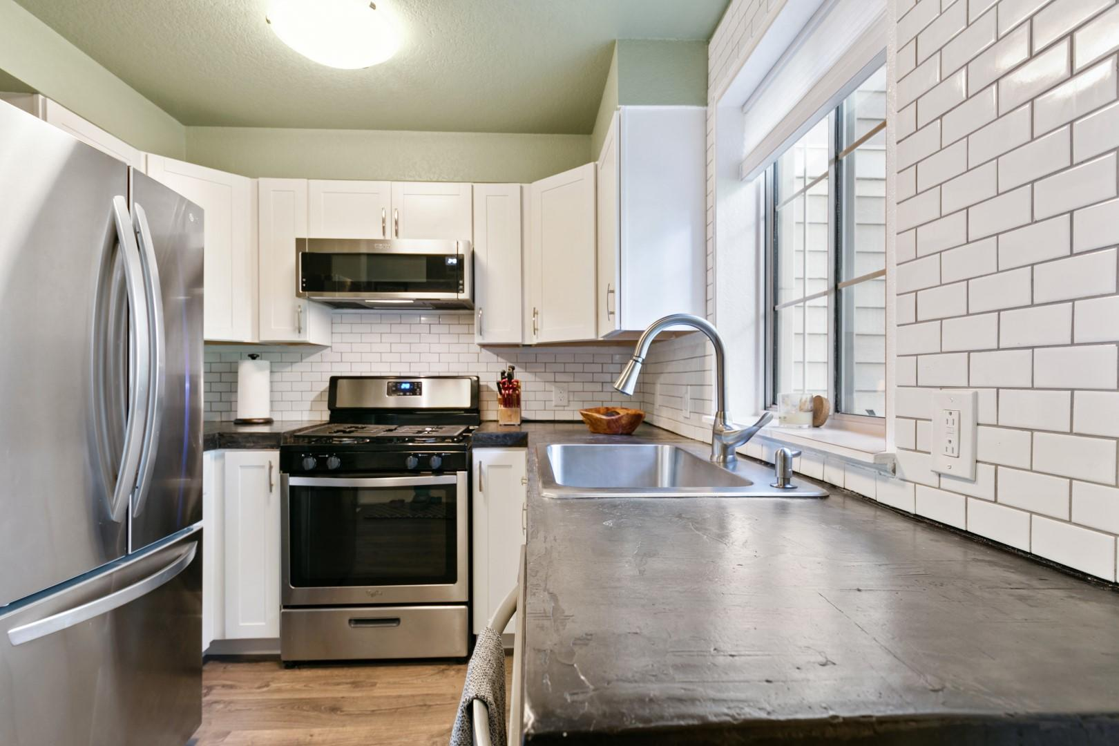 Property Image #2 for MLS #22014284