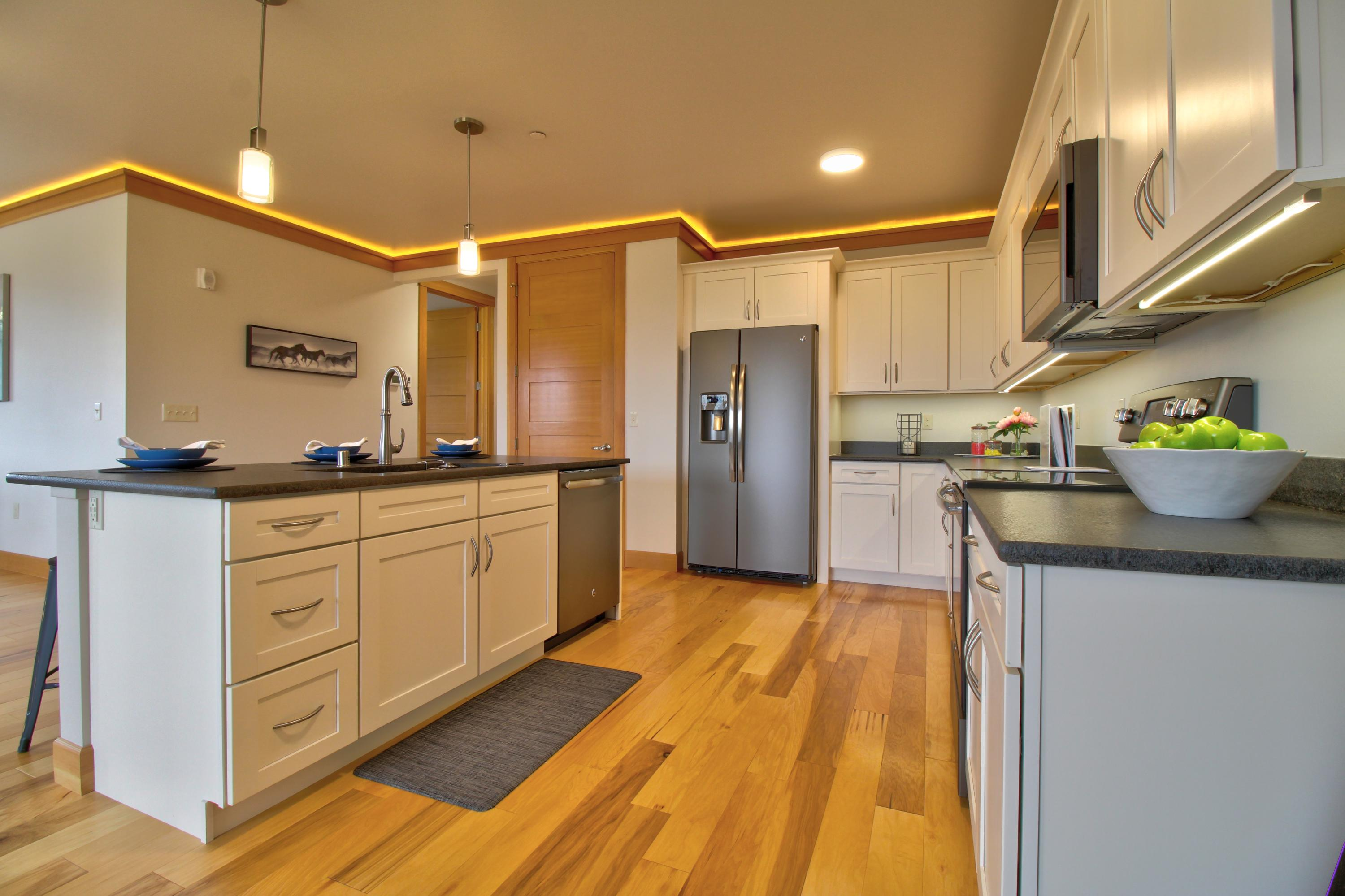 Property Image #2 for MLS #22014980