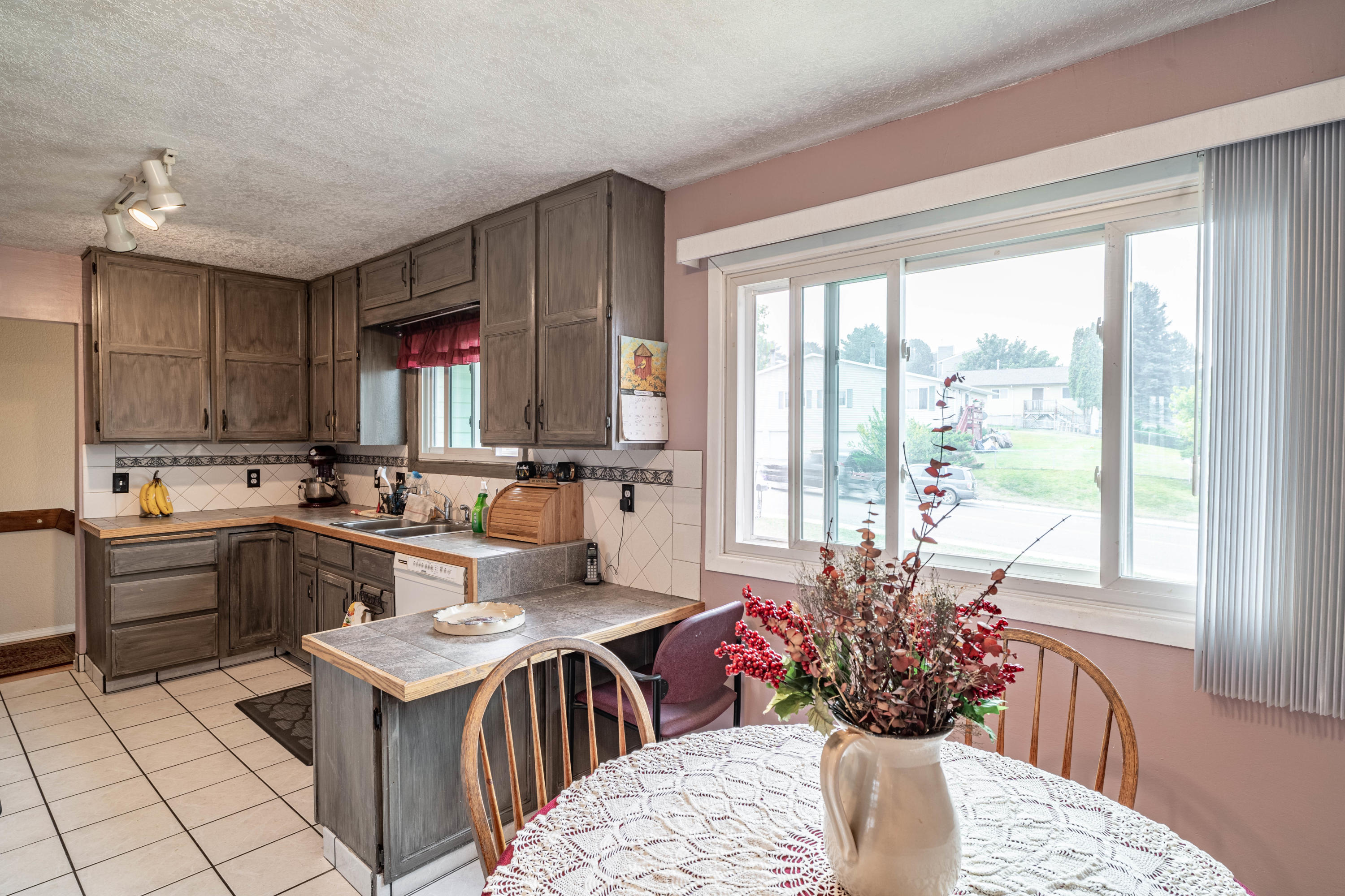 Property Image #2 for MLS #22015249