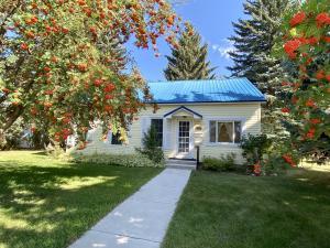 233 Fifth Street, Deer Lodge, MT 59722