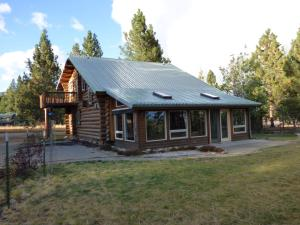 1867 Mountain Meadow Lane, Victor, MT 59875