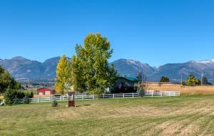 1192 Birch Creek Loop, Corvallis, MT 59828