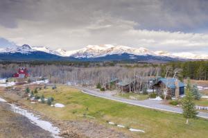 20987 Us Highway 2 East, East Glacier Park, MT 59434