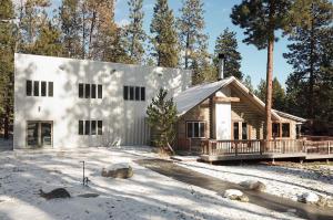1037 Bear Creek Trl