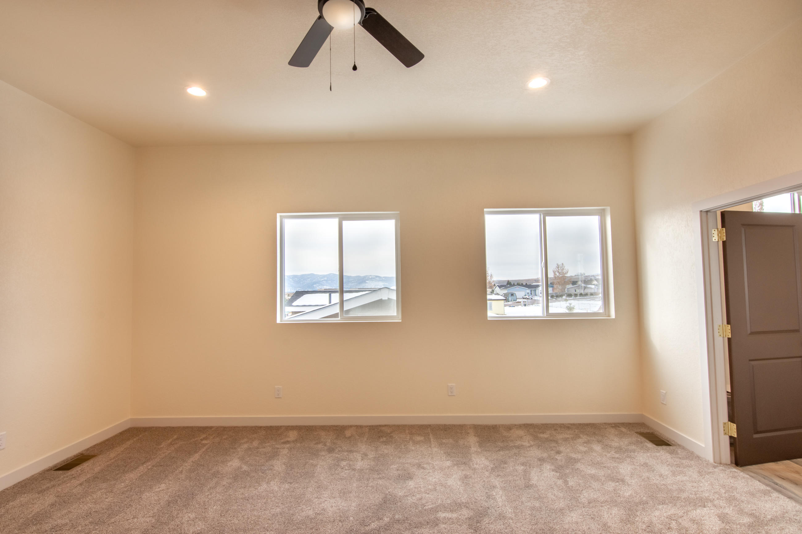 Property Image #21 for MLS #22017948