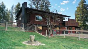 2496 sq ft, 2 bed 1.5 bath, 8.8 fenced acres