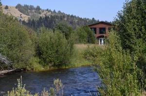 40 Sandin Ranch Lane, Philipsburg, MT 59858