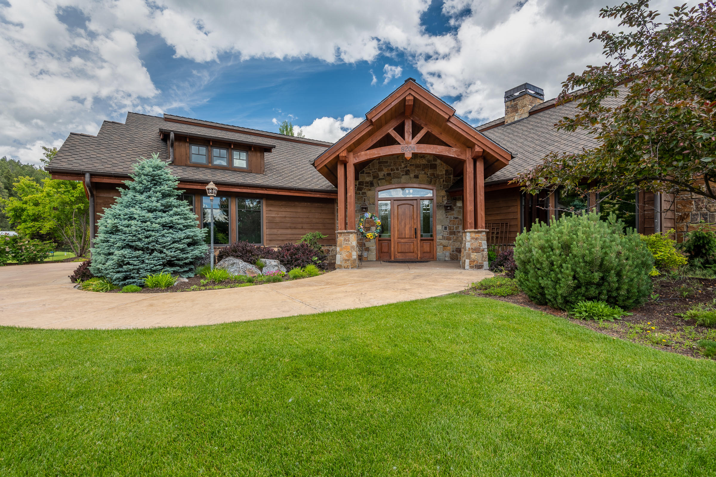 Property Image #1 for MLS #22100507