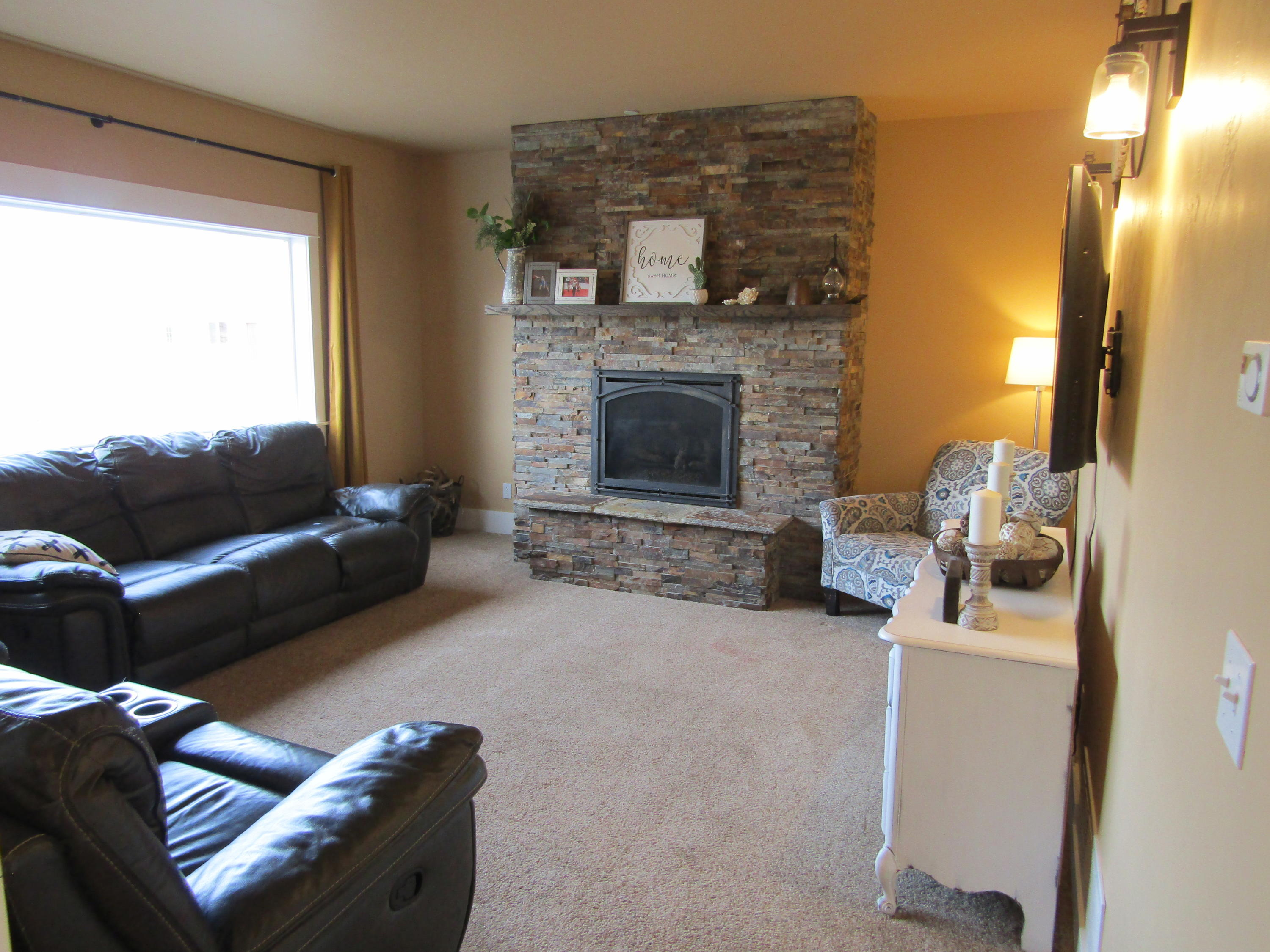 Property Image #2 for MLS #22100578