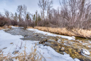 528 Moose Hollow Road, Victor, MT 59875